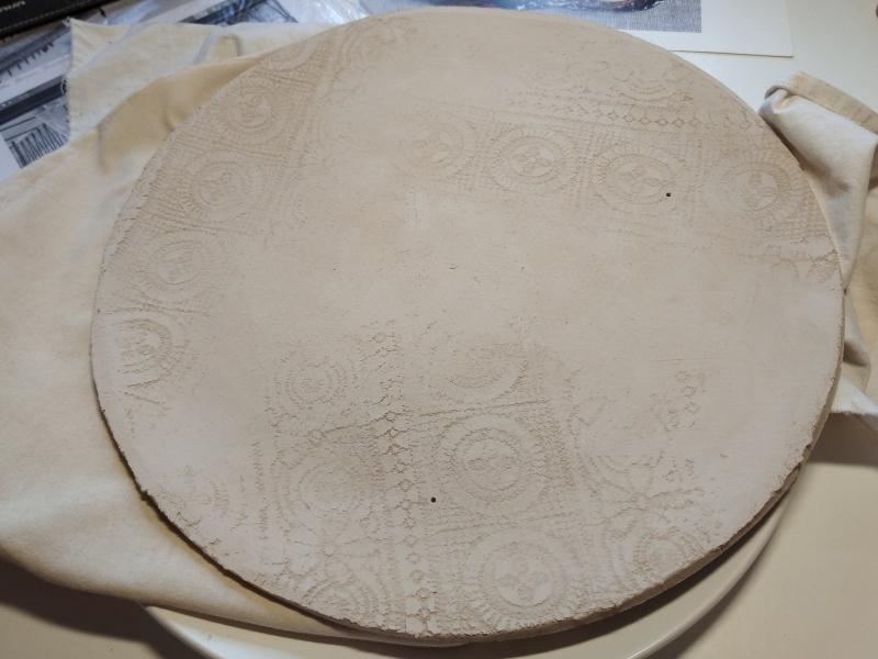 Тарелка из глины