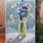 Цветы в вазе на картине