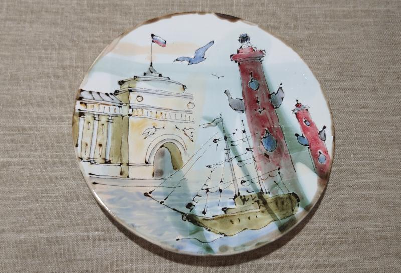 Сувенирная тарелка с Санкт-Петербургом