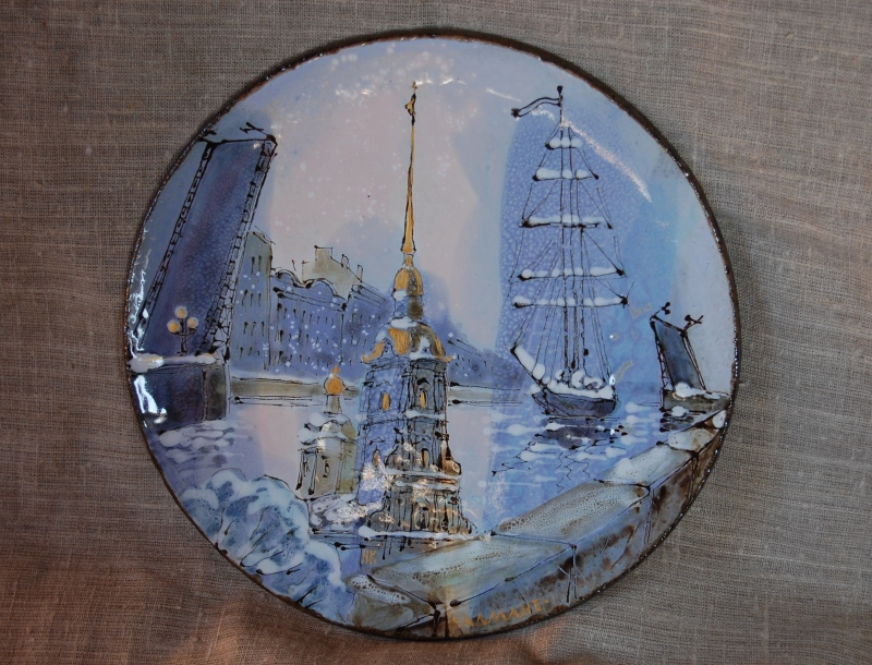 Декоративная тарелка с видами Санкт-Петербурга