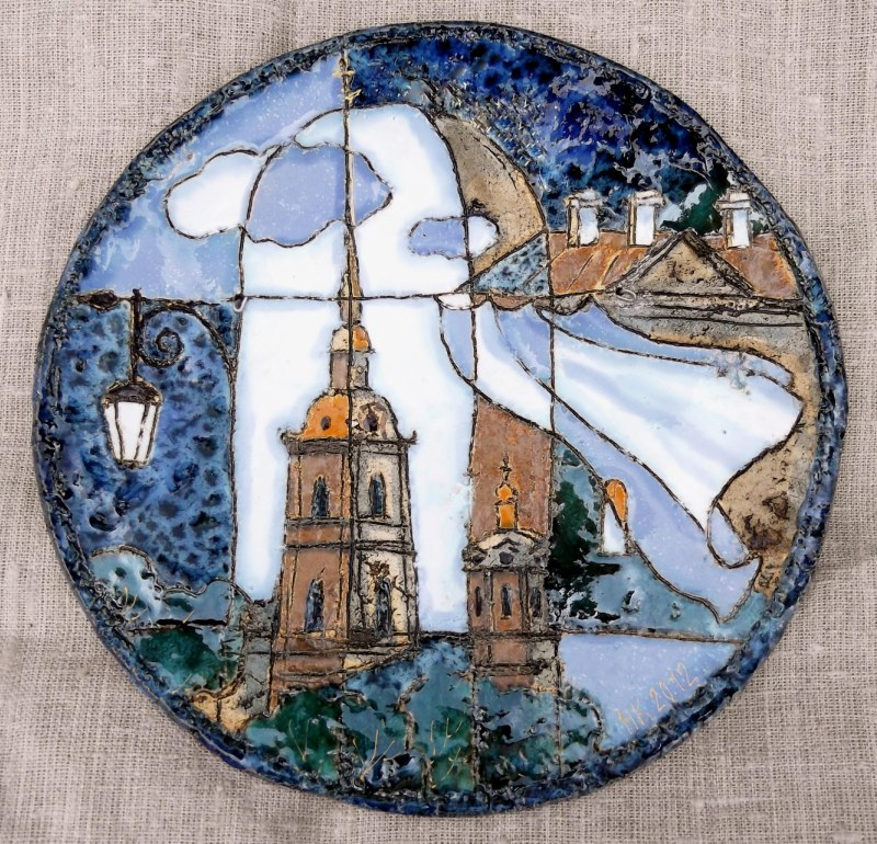 Декоративная керамическая тарелка с видами Санкт-Петербурга