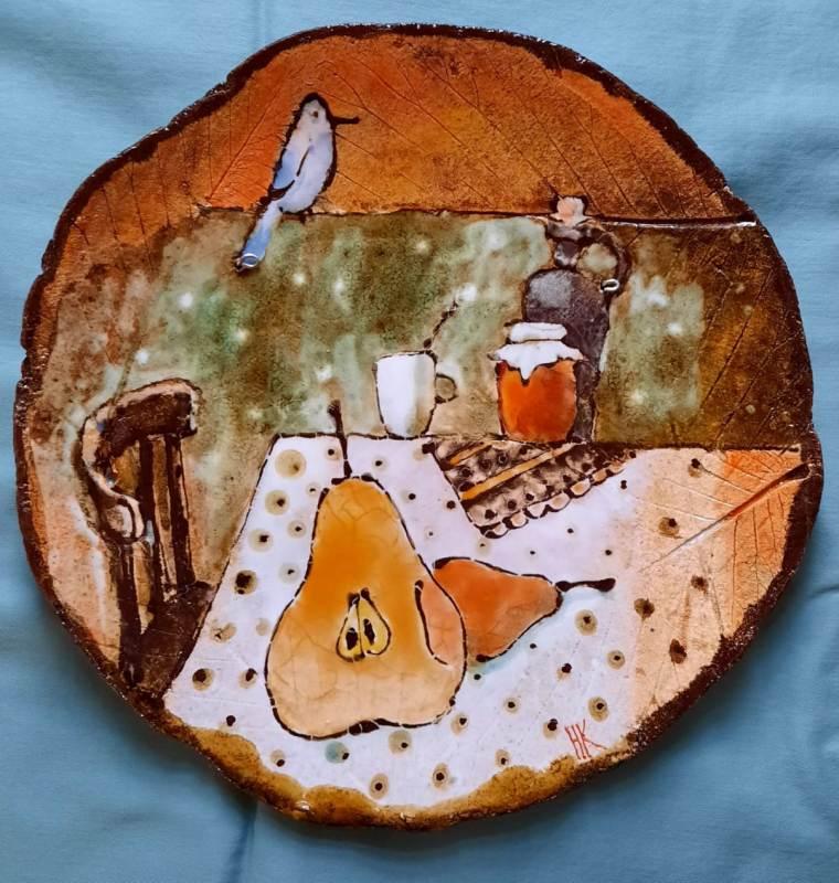 Керамическая тарелка с натюрмортом