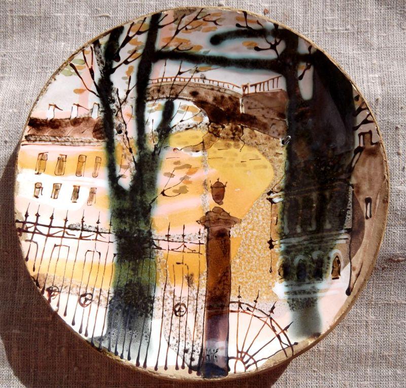 Тарелка с видами Питера