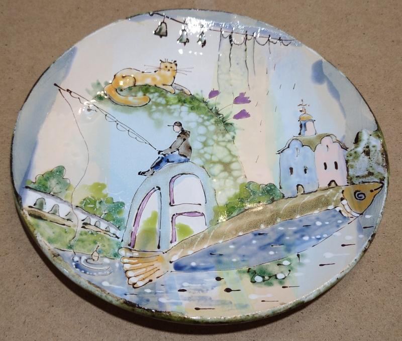 Тарелка с рыбаком