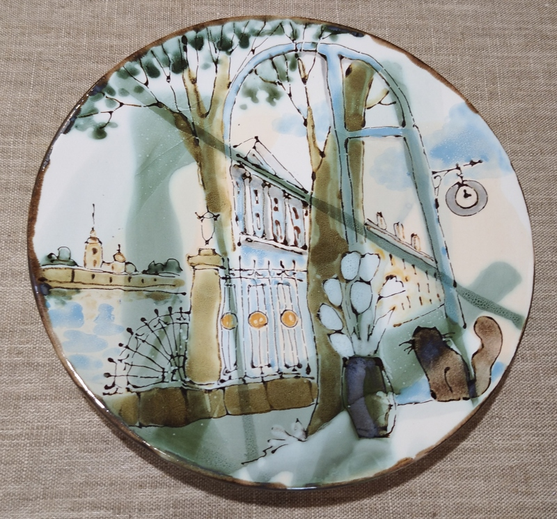 Готовая керамическая сувенирная тарелка