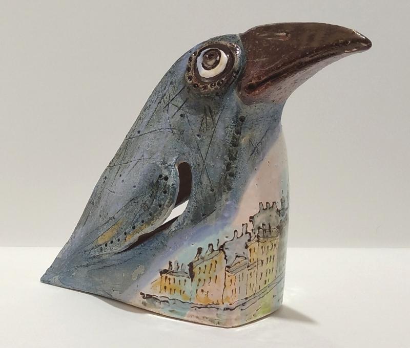 Скульптура вороны