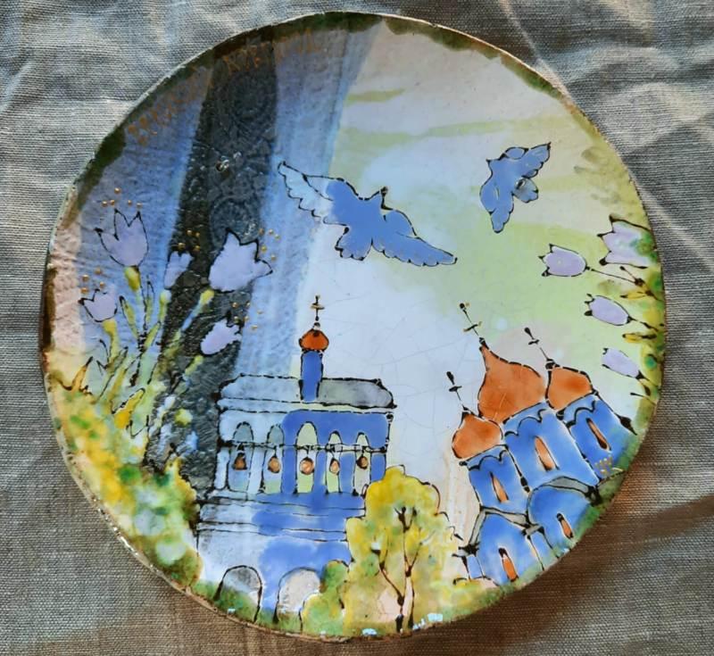 Тарелка ручной работы с авторским рисунком