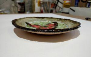 Тарелка с бабочкой, вид сбоку
